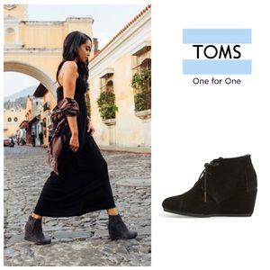 TOMS Desert Wedge suede booties in black